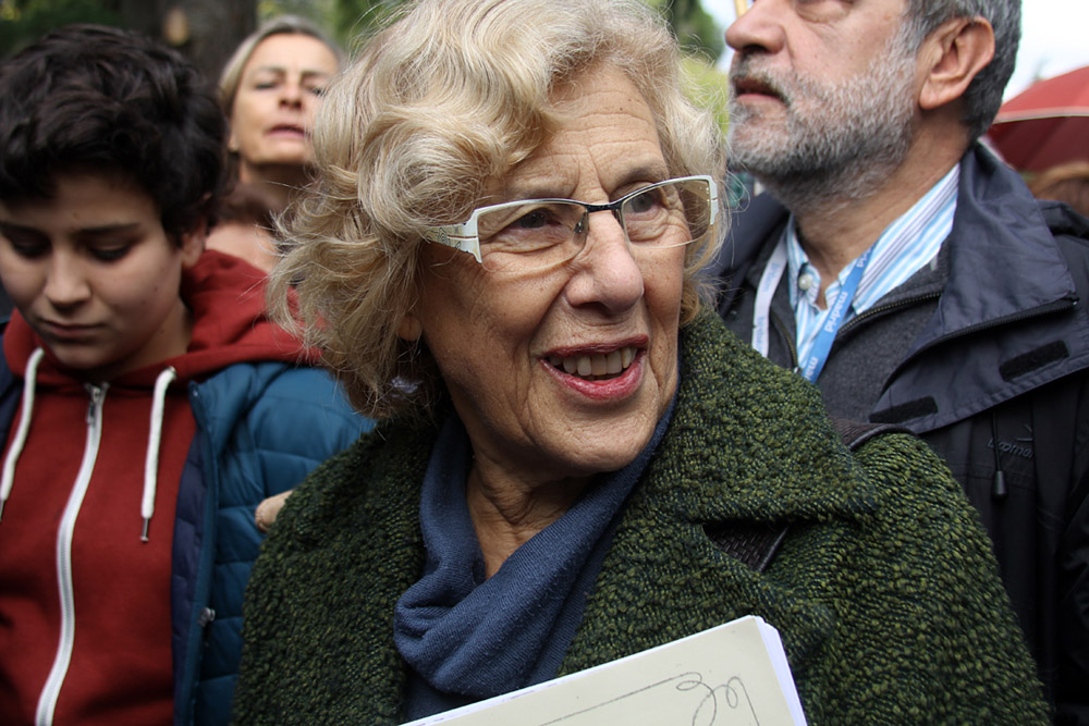 Manuela Carmena en la inauguración de los jardines de Torre Arias
