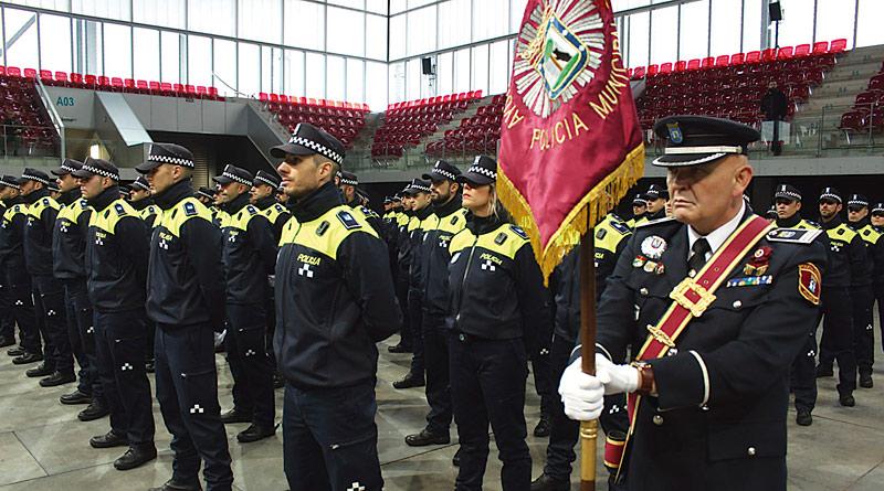 Barbero nombra 163 agentes y tres oficiales de Policía Municipal
