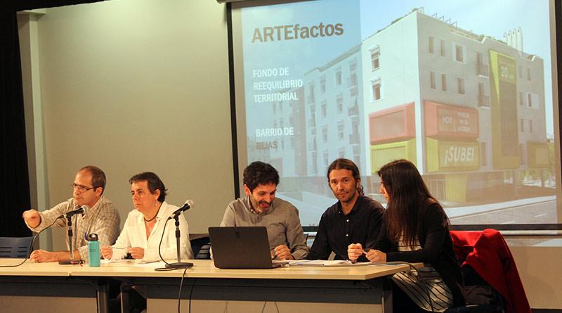 La Junta Municipal presenta el ARTEfacto a los vecinos de Rejas