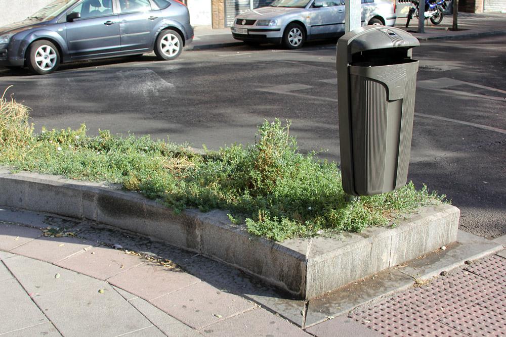 La calle Boltaña - jardineras