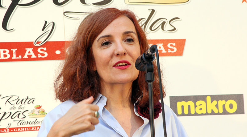 Elvira Lindo dio el pistoletazo de salida a la Ruta de la Tapa y Tiendas de SanBlas-Canillejas