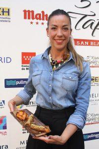 María Sanz y su hermana Mónica son el alma del restaurante El Álamo (Albarracín, 10)