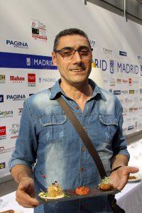 José Antonio Durán (Toni) es el cocinero y propietario de Mesón Riaño (María Sevilla Diago, 9)