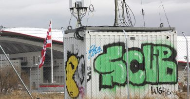 Antena de telefonía instalada por la empresa Orange ilegalmente en una parcela municipal