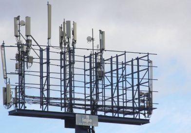 Instalan otras dos antenas de telefonía sin licencia municipal