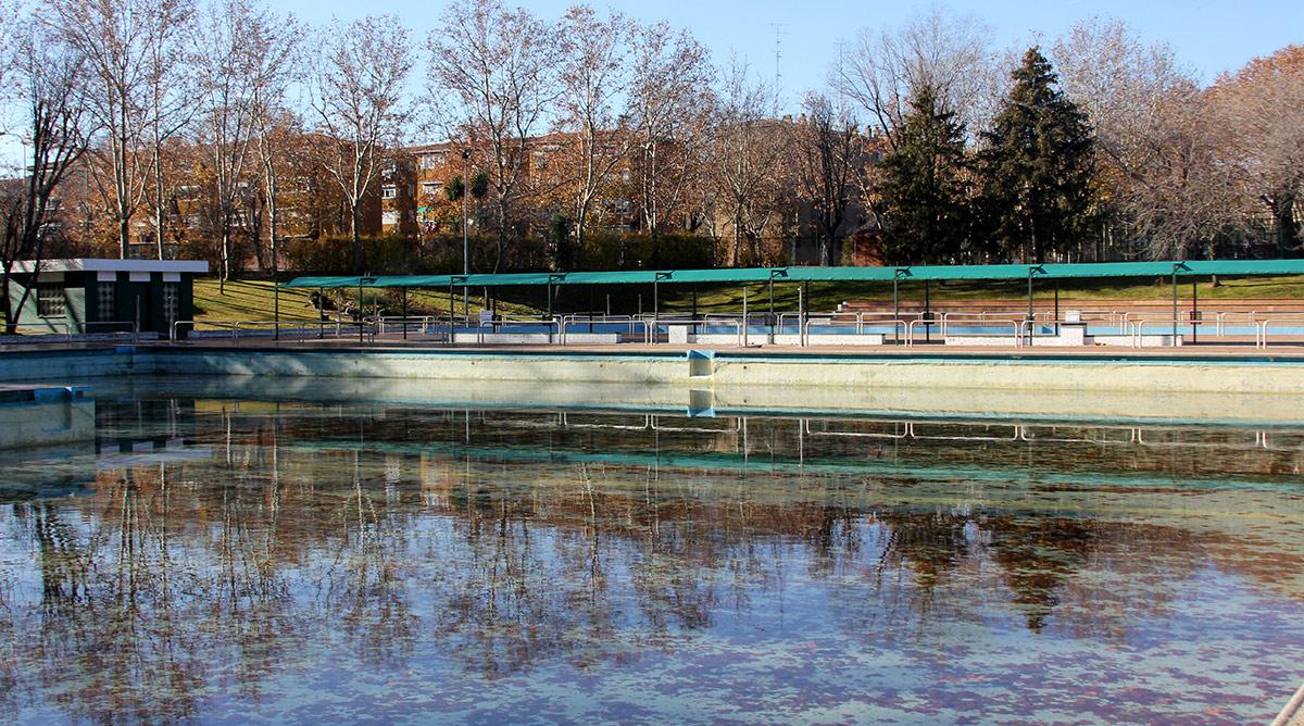 El derrumbe de la cubierta de la piscina del polideportivo municipal de San Blas-Canillejas