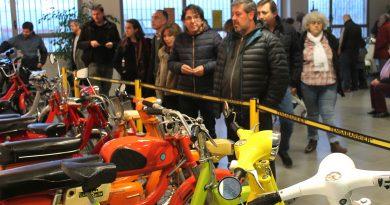 San Blas-Canillejas rinde homenaje al emblemático Vespino con una exposición