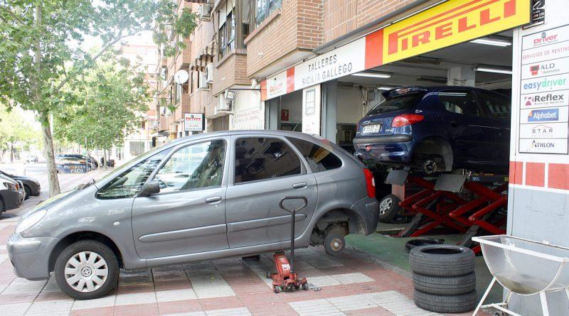 Neumáticos Sicilia-Gallego, la cubierta de los vecinos de San Blas