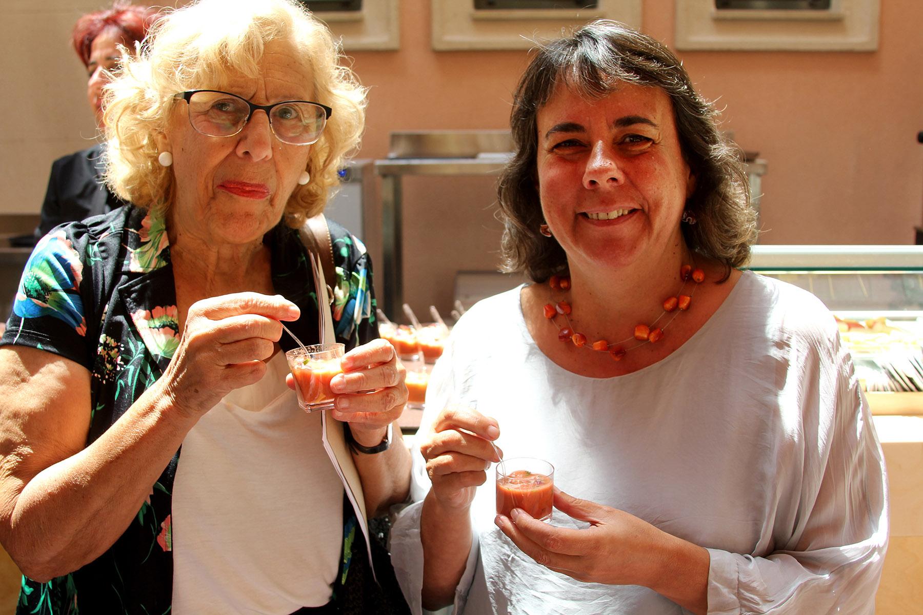 Manuela Carmena y Marta Gómez en el Espacio Abierto en la Quinta de Los Molinos