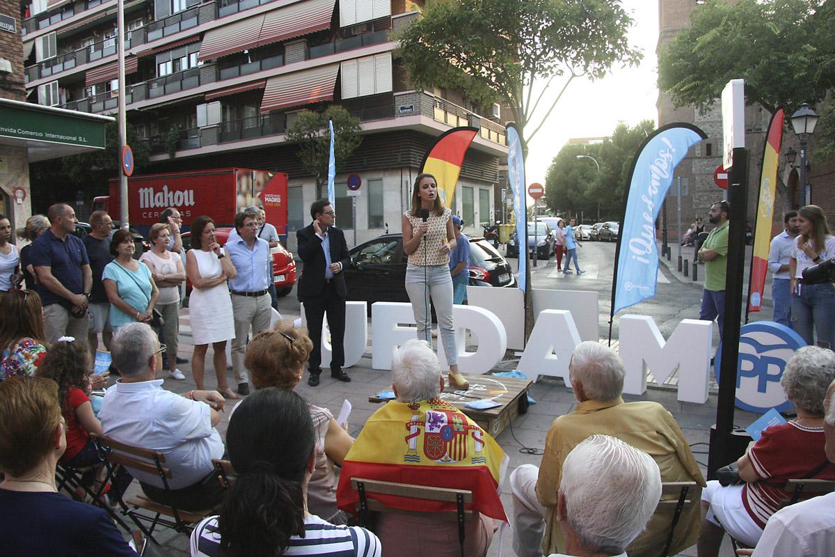 El PP presenta a Martínez-Almeida como antídoto del Carmenazo en San Blas-Canillejas