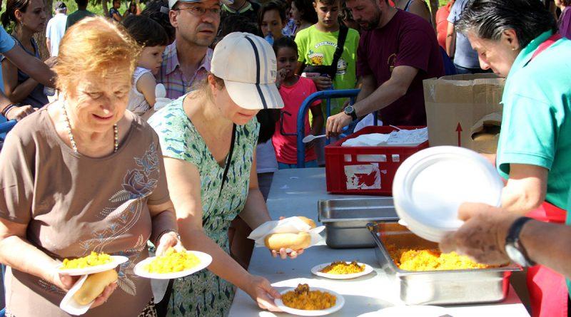 Las Musas-Las Rosas celebran un día de fiesta con paella incluida
