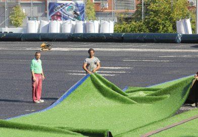 La Junta pone césped en dos campos de fútbol y rehabilitatres