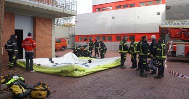 Bomberos organizan un simulacro para evitar suicidios
