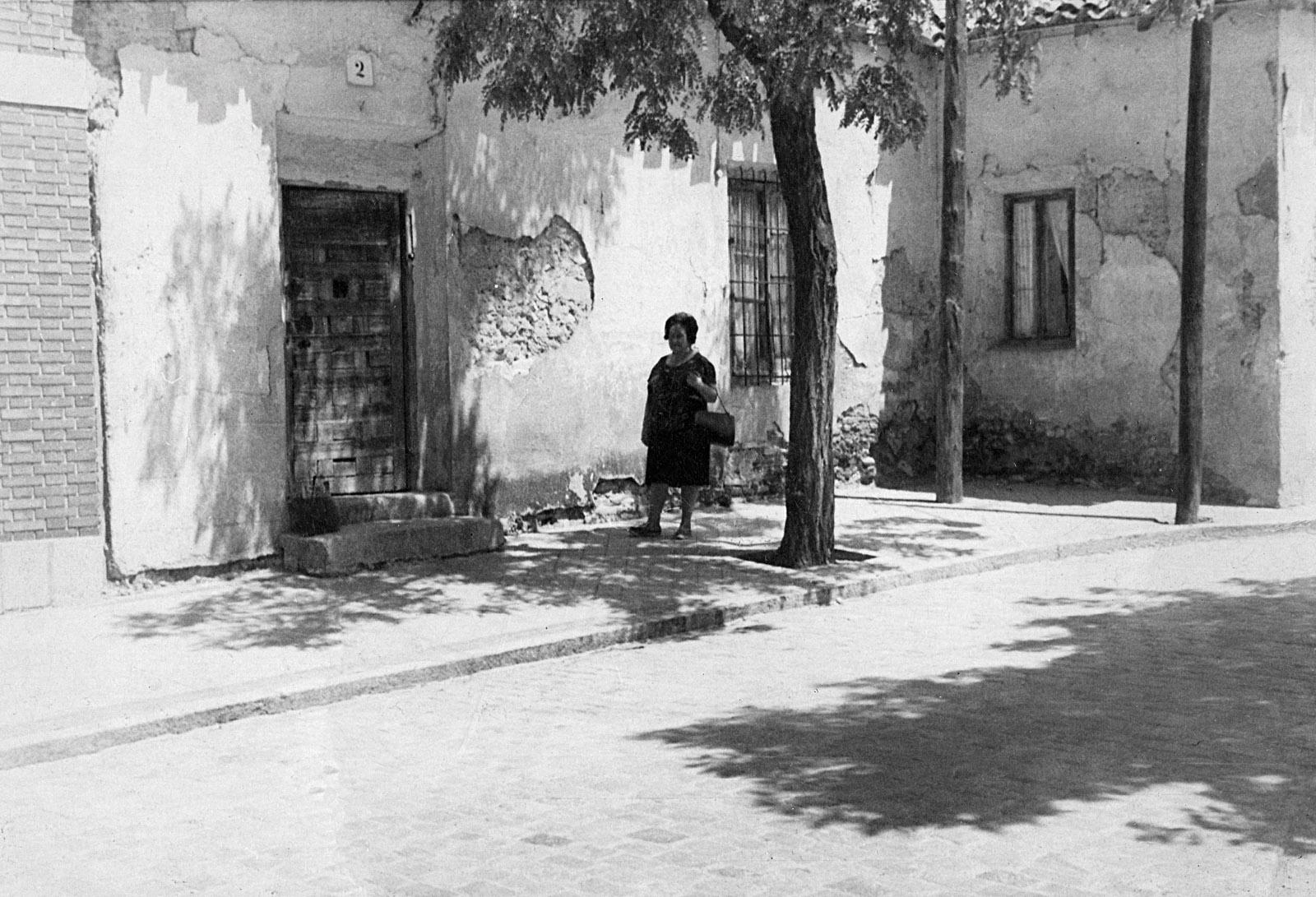 Casa de Consuelo Freixa, la practicanta, en la plaza del pueblo de Canillejas.