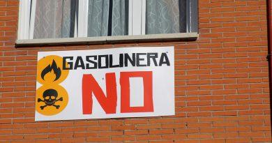 Paralizada la gasolinera de Las Rosas por uso indebido de vía pública