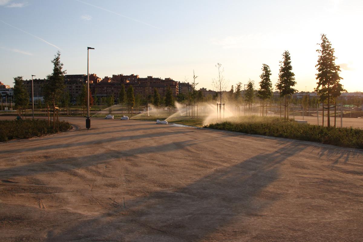 El Wanda Metropolitano estrena jardines y zonas deportivas públicas