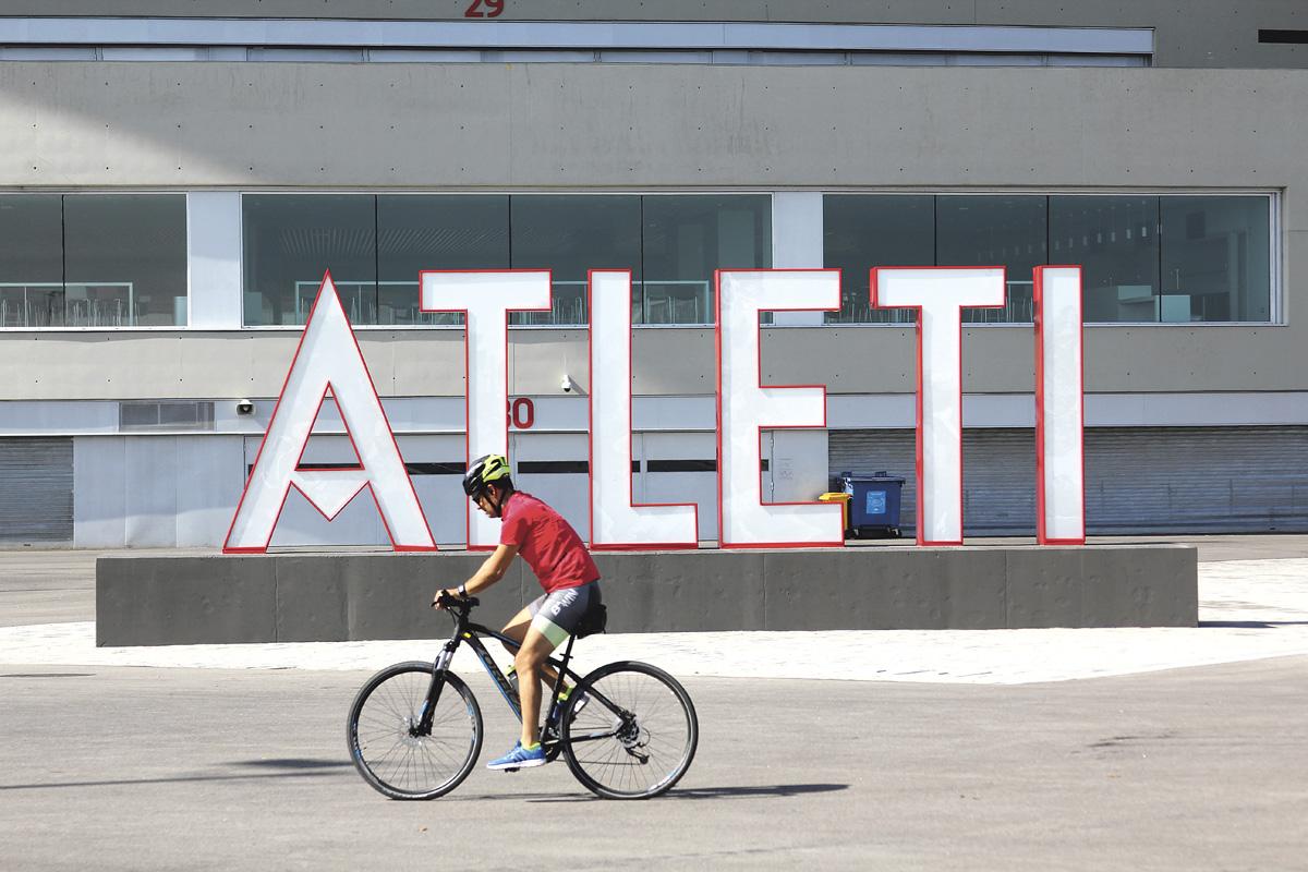 Estatua Luis Aragones, Wanda Metropolitano