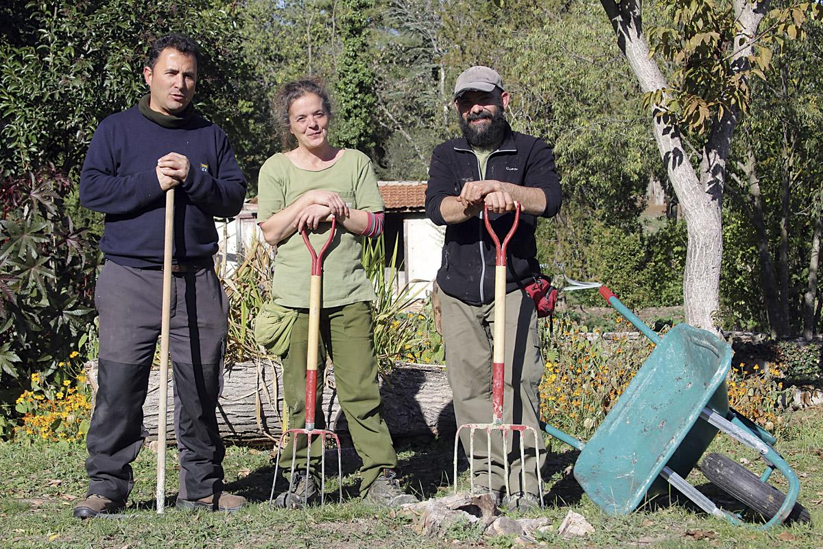 Jardineros de la Quinta de Torre Arias. Daniel Liébana a la derecha.