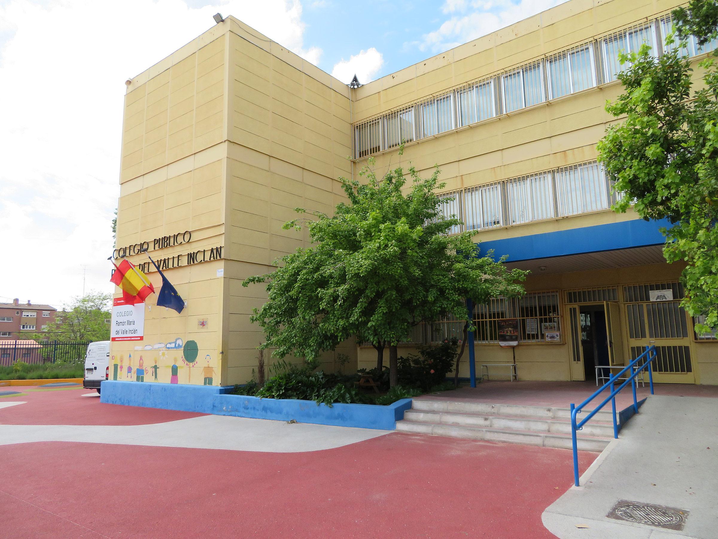 El colegio Valle Inclán se abre martes y viernes para la entrega de comida