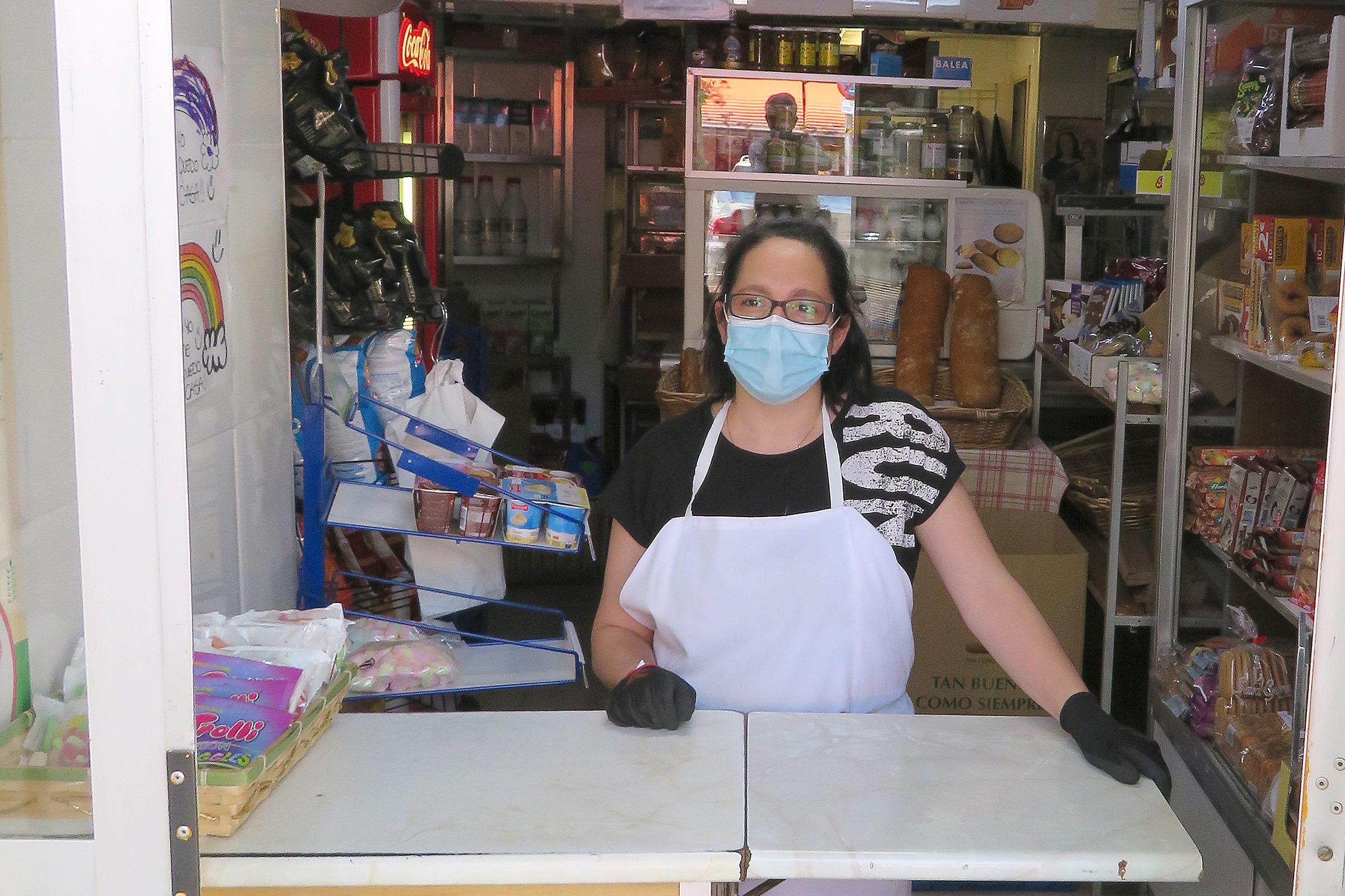 Nines se ha coordinado con otros comercios cercanos para hacer entregas a domicilio durante el confinamiento