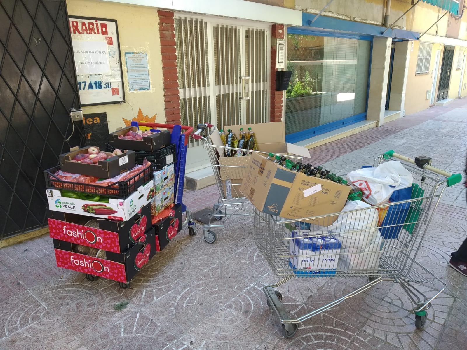 La Red de Apoyo Vecinal, dedicada en principio a labores de acompañamiento, pronto se vio desbordada por peticiones de comida