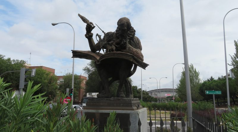 estatua cervantes