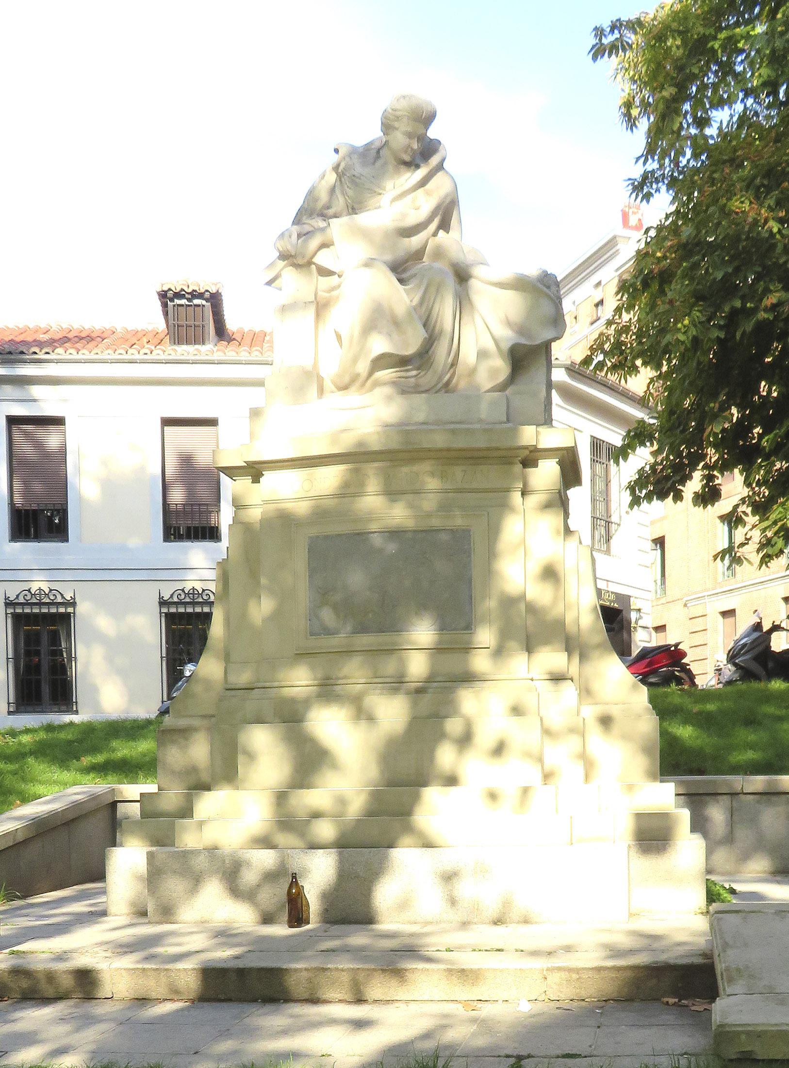pardo bazan estatua