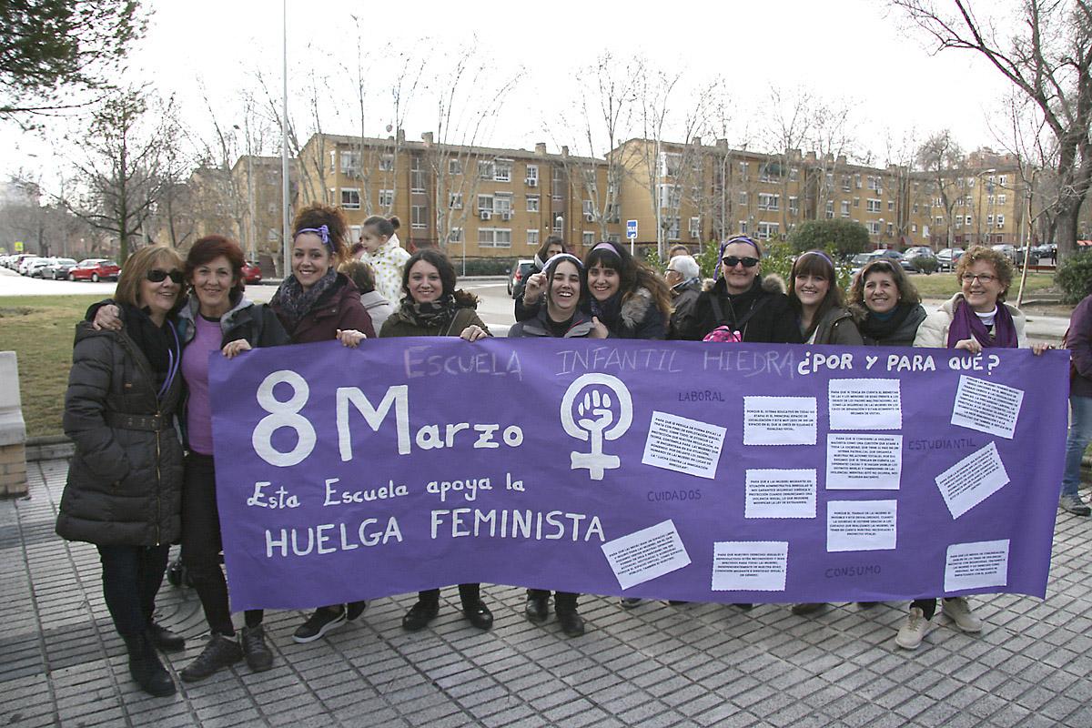 San Blas-Canillejas tiñó sus calles de color morado gracias a la manifestación feminista celebrada el pasado 8 de marzo con motivo del Día de la Mujer Trabajadora.
