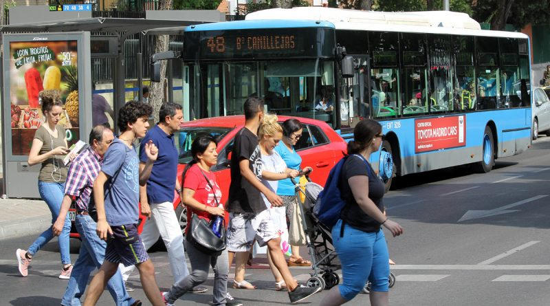 El PSOE pide carril bus para tres calles del distrito