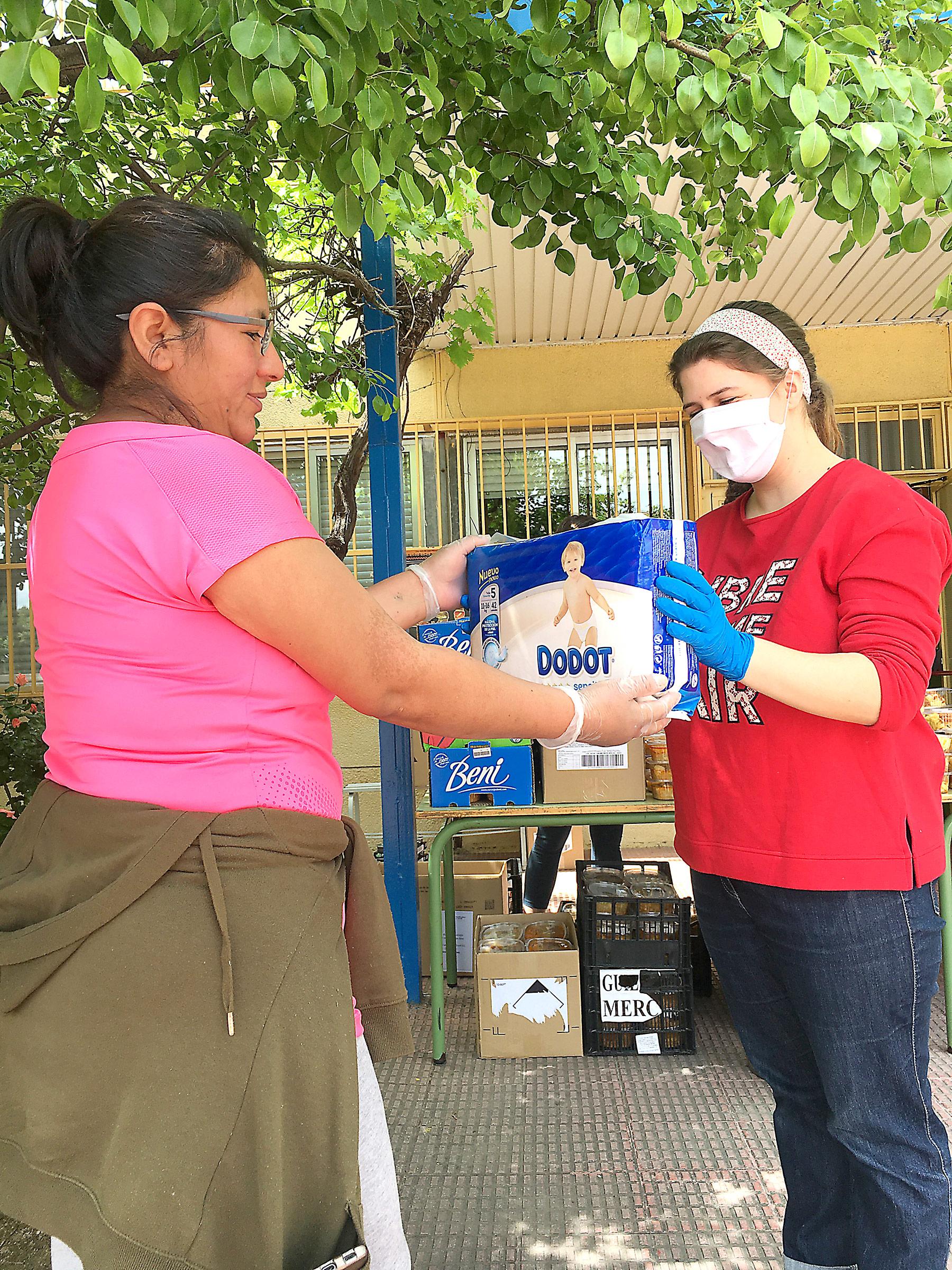 El Ayuntamiento, el Banco de Alimentos Dodot y Lactalis son algunas entidades que están ayudando en esa tarea