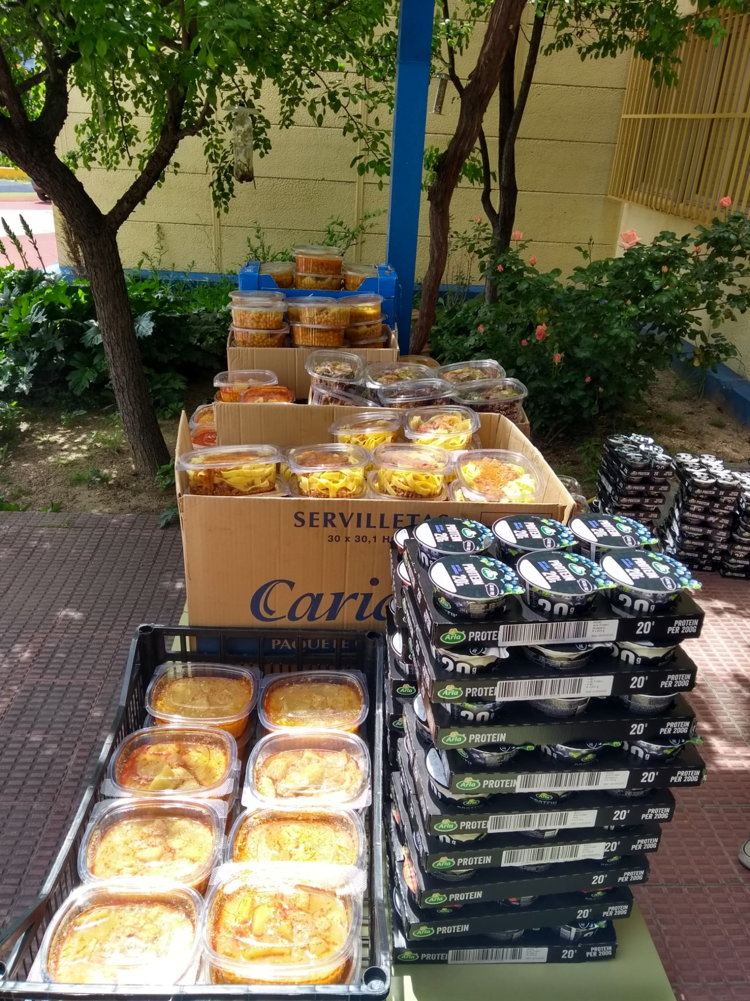En el CEIP Valle Inclán se centralizó la ayuda a las familias con necesidades de varios colegios del distrito